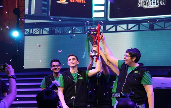 Stay Green conquers Garena Star League 2013