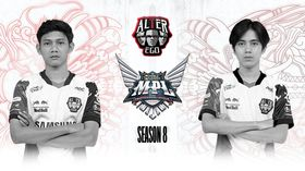 Alter Ego players Celiboy and Pai in front of MPL ID logo