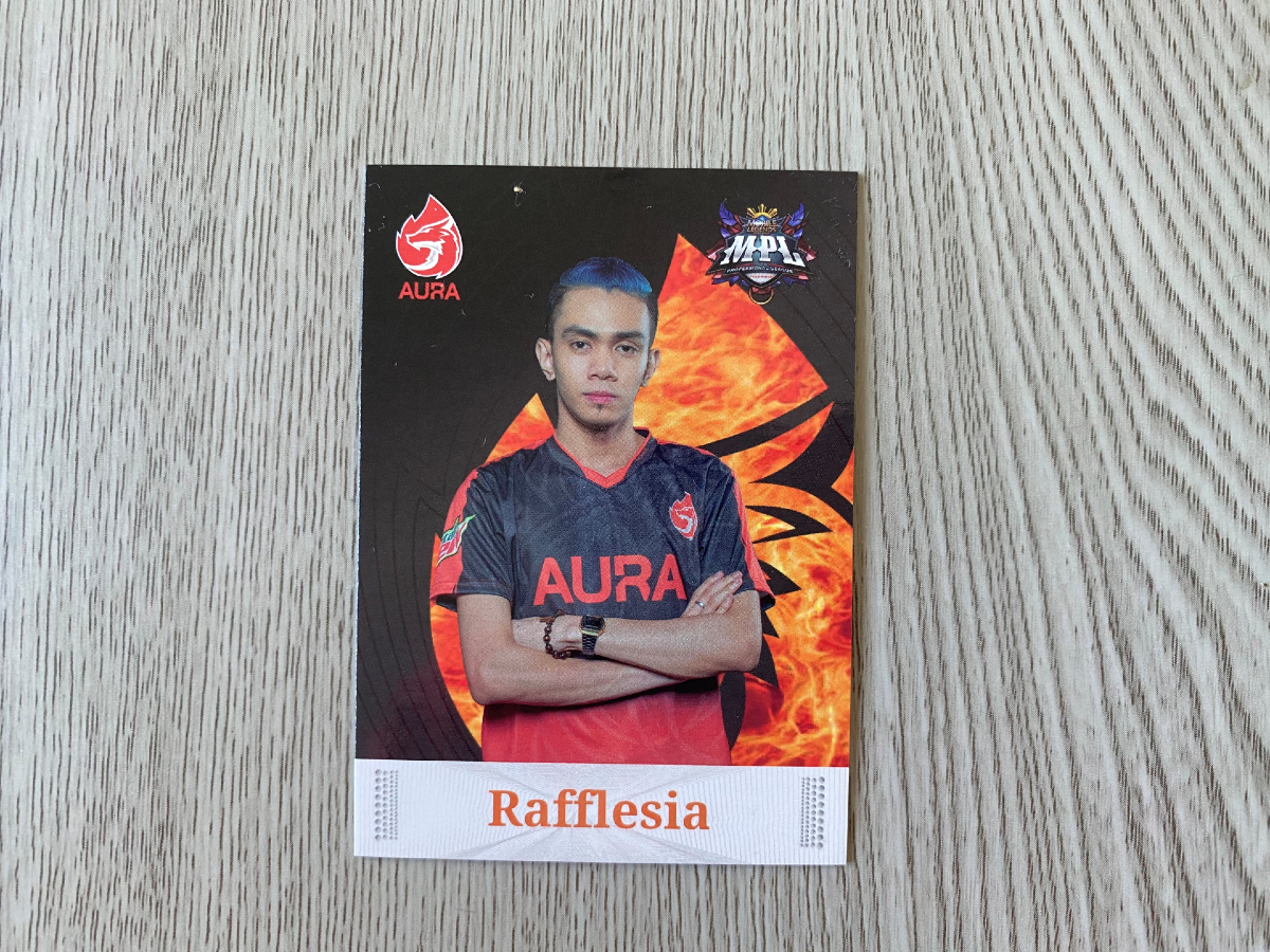 Rafflesia standing with crossed arms Player card